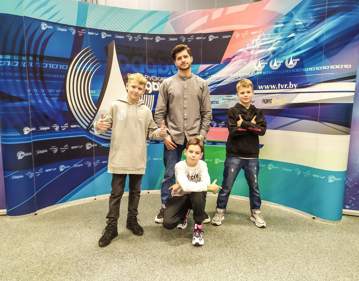 Ученики Брейк-Данс центра на радио